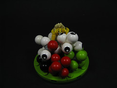 Not having a ball.....Eye see. (Karf Oohlu) Tags: ball lego eyeball horror terror minifig scared terrified moc cthulhumythos