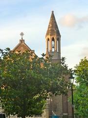 P1140369 Chelsea Parish Church (londonconstant) Tags: london architecture streetscapes promenades londonconstant costilondra