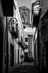 Strada con chiesa in fondo (Palermo Finestra sul Mondo) Tags: via way sciacca sicilia sicily architecture church chiesa black white bainco nero grigio grey italia italy tranquillit