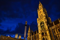Munich - Neues Rathaus (cnmark) Tags: new city blue light architecture night germany munich mnchen deutschland hall gothic style hour historical rathaus frauenkirche neues revival stil neugotisch allrightsreserved