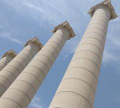 Jnico (javitm99) Tags: barcelona blue sky espaa white blanco azul stone architecture clouds spain bcn cielo nubes column neoclassicism columna piedra columnas jonico neoclasicismo