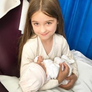 """""""Nosso amor se materializou"""", diz Luiza Valdetaro após nascimento de Sophia"""
