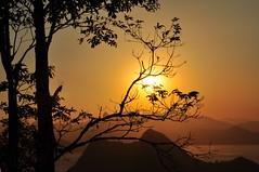 bfds pro cê. até segunda... (Ruby Augusto) Tags: sunset brasil silhouettes pôrdosol silhuetas notreatment niteróirj parquedacidaderj morrodaviração christtheredeemermonument