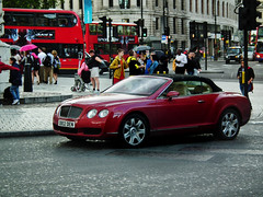 Bentley GTC (kenjonbro) Tags: uk red london westminster trafalgarsquare continental convertible cabrio charingcross bentley 2007 sw1 gtc drophead kenjonbro fujihs10 db02den