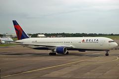 Boeing 767-332ER N1201P Delta Als (EI-DTG) Tags: delta boeing dub 767 dublinairport boeing767 deltaairlines eidw n1201p 31july2009