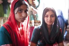 Sisters (Morten Falch Sortland) Tags: girls portrait woman india girl sisters scarf women delhi indian mosque indians saree sari newdelhi jamamashid