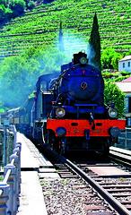 Historical Train in the Douro Valley (Porto Convention and Visitors Bureau) Tags: portugal porto norte