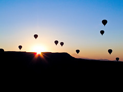 Ballooooning! (miss_des) Tags: sky backlight sunrise turkey balloons turkiye helium backlit hotairballoons ballooning cappadocia greme flyinghigh floataway top20flickrskylines canong12