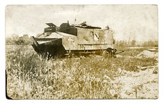 (Kaïopai°) Tags: sign club logo french war tank postcard ww1 pk char combat damaged destroyed panzer flanders schneider postkarte weltkrieg flandern ca1 flandre premièreguerremondiale wk1 guerremondiale grandeguerre schneiderca1