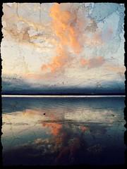 rough edge sunset duck siloute (HARRO PHOTO) Tags: sunset lake reflection water clouds oak flats illawarra