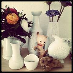 Happy Easter - Frohe Ostern (*blythe-berlin*) Tags: flowers vintage square squareformat brannan vases blooming ranunkel blhen vasen bazaarstyle iphoneography instagramapp uploaded:by=instagram