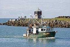 Chips - Napier's sustainable fishing boat (Karen Pincott) Tags: sea newzealand port boat fishing inventor fishingboat napier countrycalendar ahuriri sustainablefishing karlwarr