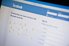 Soon, feds will snoop on your social networks before granting security clearance0 (mohanrajdurairaj) Tags: washington technology unitedstates internet dcdistrictofcolumbia