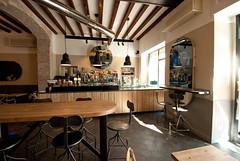 _DSC1126 (fdpdesign) Tags: arredamenti shop design shopdesign nikon d800 milano italy arrdo italia 2016 legno wood ferro sedie tavoli locali cocktails bar interni architettura