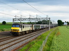 If only the sun had stayed out (legomanbiffo) Tags: atherstone wcml skoda freightliner 90 class 1m16 sleeper caledonian
