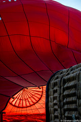 Gonflage d'une montgolfire / Inflating a hot-air balloon - Chenonceaux (christian_lemale) Tags: france nikon ballon balloon hotairballoon chenonceaux montgolfire touraine arostat d7100