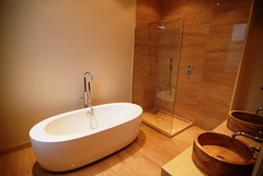 """Mount Park Master bathroom with free standing bath web 400 • <a style=""""font-size:0.8em;"""" href=""""https://www.flickr.com/photos/77639611@N03/6899078056/"""" target=""""_blank"""">View on Flickr</a>"""