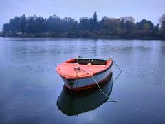 relajante, no? (Felipe Aros) Tags: agua barco hdr valdivia