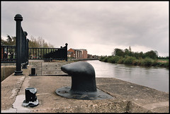 Townrows' Wharf, Gainsborough (tatraškoda) Tags: old uk england urban history film 35mm river geotagged town nikon lincolnshire trent wharf analogue f5 cleat gainsborough c200 fujicolor dn21 tatraskoda lordsstaithe townrows