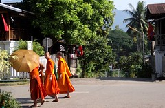 Luang Prabang Monks (Al's photos..) Tags: monk laos luangprabang budhist 2010 alsphotos budhistmonks