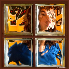 BEHIND THE GLASS (Osvaldo_Zoom) Tags: portrait glass vetro vetromattone
