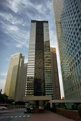 SHINJUKU MITSUI BUILDING (turntable00000) Tags: sky cloud building japan photography tokyo mirror shinjuku taxi sony 365    takashi  mitsui nex  sumitomo 366  kitajima   turntable00000