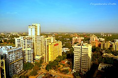 Bird's eye view of Delhi (PD03) Tags: india nikon colours delhi cp eyeview rajiv connaughtplace d5100 chowkskylinehigh risebirds