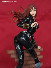 BLACK WIDOW Covert Ops Ver. 020 (mixnuts club) Tags: statue fetish comics gun bondage figure spy heroine blackwidow spygirl secretagent rubbersuits