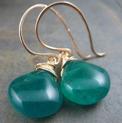 Emerald Quartz Briolette Earrings (AshleighAnnette) Tags: green gold wire hammered handmade smooth wrapped drop filled earrings tear quartz emerald hooks briolette