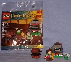 Lego 30210 - Frodo with Cooking Corner (Darth Ray) Tags: cooking corner with lego lord rings frodo 30210