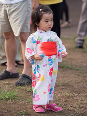 (kasa51) Tags: people japan digital olympus yukata littlegirl yokohama f18 omd 75mm  summerfestival  summerkimono em5 mzuiko