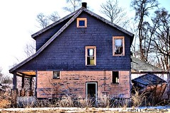 Mod House (TooLoose-LeTrek) Tags: pink winter house snow purple decay detroit abandon rx100