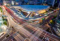 Dongdaemun Design Plaza (DMac 5D Mark II) Tags: city longexposure light building architecture modern night design cityscape traffic seoul intersection lighttrails bluehour southkorea futuristic cyberpunk ddp dongdaemundesignplaza
