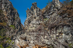 CO_Chapada0210 (Visit Brasil) Tags: travel brazil tourism nature horizontal brasil natureza unesco adventure árvore chapada cavalcante ecoturismo vegetação ecotourism semgente centrooeste penhascos diurna pontedepedra visitbrasil