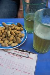 DSCF2830 (aaroncaley) Tags: beer peanuts vietnam hanoi bia biahoi