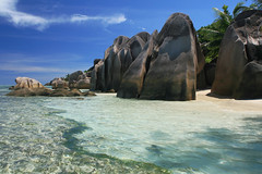 Seychelles - La Digue (Michael.Kemper) Tags: ocean voyage blue sea seascape travelling green beach beautiful rock strand canon palms la is sand rocks meer paradise indian shoreline palm shore granite tropical seychelles usm grn fels blau bacardi plage palme efs tropics source f28 paradis reise kste felsen 30d digue ladigue palmen 1755 rafaello paradies seychellen granit anse ozean tropen dargent schn ansesourcedargent canoneos30d indischer indean canonefs1755f28isusm granitfelsen bacardistrand