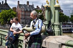 Scottish (Melissa Ribas Moura) Tags: scottish london londres bridge westminster westminsterbridge europe england inglaterra uk unitedkingdom melissaribasmoura escocs
