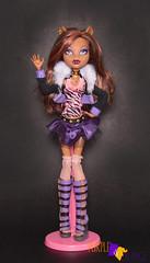 Clawdeen Basic (PurpleandOrangeMH) Tags: clawdeen ghouls sports dead tired love fashion basic mueca doll punta areans orange purple