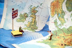 Inge Hoogendoorn (ingehoogendoorn) Tags: uk island sailing unitedkingdom map eu gb exit littlepeople referendum unionjack bootje smallworld europeanunion kaart drifting tinypeople noch engelsedrop smallpeople preiser bosatlas varen greatbrittain grootbrittanni verenigdkoninkrijk tinypeoplebigworld tinypeopleserie tinypeopleinbigworld brexit