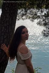 DSC_1256+ (SuzuKaze-photographie) Tags: portrait woman lyon bokeh femme parc swirly helios442 suzukazephotographie