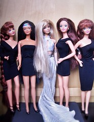 Midge Dolls (Barbiebeauties) Tags: midgedoll divabarbie skifunmidge seaholidaymidge jewelhairmermaid americanindianmidge
