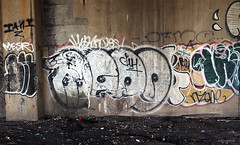 (Into Space!) Tags: street nyc newyorkcity urban ny newyork graffiti bronx vandal graff throw fill menos fillin throwie intospace