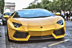 Yellow Matte [#109 on Explore] (haiwepa) Tags: paris yellow jaune explorer champs elyses arc triomphe explore mat lamborghini matte aventador lp7004