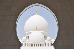 white domes (marin.tomic) Tags: travel white architecture nikon asia dubai islam religion uae abudhabi dome arabia arabian unitedarabemirates gettyimages vae d90 sheikhzayedmosque