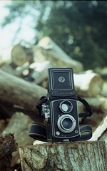 missing her~ (asuramaru™) Tags: tlr film 50mm gold minolta kodak 200 malaysia analogue 2012 kelantan cameraporn x700 yashicaa rokkor bachok charcoalfactory ƒ17 bekelam localsmallindustry