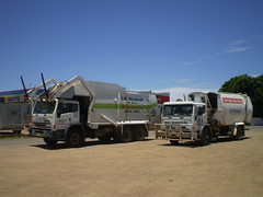 JR Richards of Moree (AussieGarbo) Tags: trash truck garbage lift side papas disposal jr front sl collection equipment international domestic rubbish vehicle council service fl shire waste refuse plains loader recycling residential richards services iveco acco sons moree automated asl compactor jaysolo