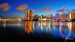 Dusk of Marina Bay (j-imaging) Tags: city bridge urban moon tree art gardens by museum marina river bay flyer singapore carlton dusk super science resort east reflect ritz benjamin scape banks skyscrapper integrated uniquely digitalcameraclub sheres 100commentgroup