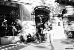 Homeless - Barcelona 2011 (naldomundim) Tags: barcelona street canon spain espanha barca homeless bcn wide 5d 16mm ultra mendigo pedinte naldo mark2 mundim naldomundim naldim