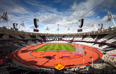 Olympic Stadium, London 2012 (Rick Connell) Tags: london field bronze canon silver gold track stadium run athletes olympics olympicpark 2012 paralympics london2012