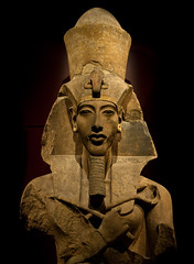 Akhenaten (Arian Durst) Tags: seattle face statue stone museum kingtut egypt symmetry bust egyptian pharaoh huge artifact akhenaten tutankhamun pacificsciencecenter amenhotepiv